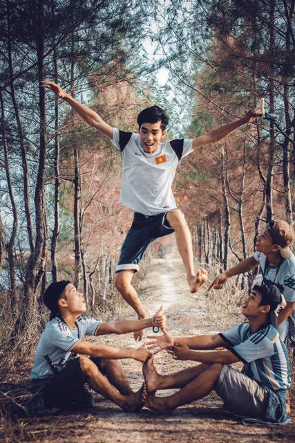 Bộ ảnh hồi ức tuổi thơ gây sốt của 4 chàng SV báo chí - 6