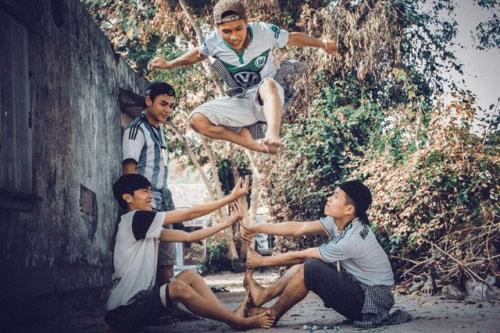 Bộ ảnh hồi ức tuổi thơ gây sốt của 4 chàng SV báo chí - 7
